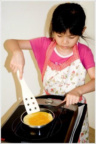 蝴蝶.做早餐 ※ 美好的親子關係需要靠日日仔細的真實生活慢慢培養。