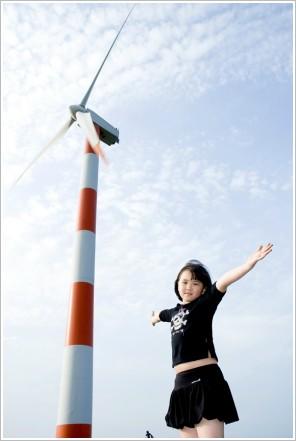 荳芽.風力發電廠 ※ 小三的荳芽已經可以自己做很多事、自己一個人拎著行李就出發去參加各種營隊活動⋯⋯看著她自信的展翅高飛,一切的努力和淚水,都已值得⋯⋯